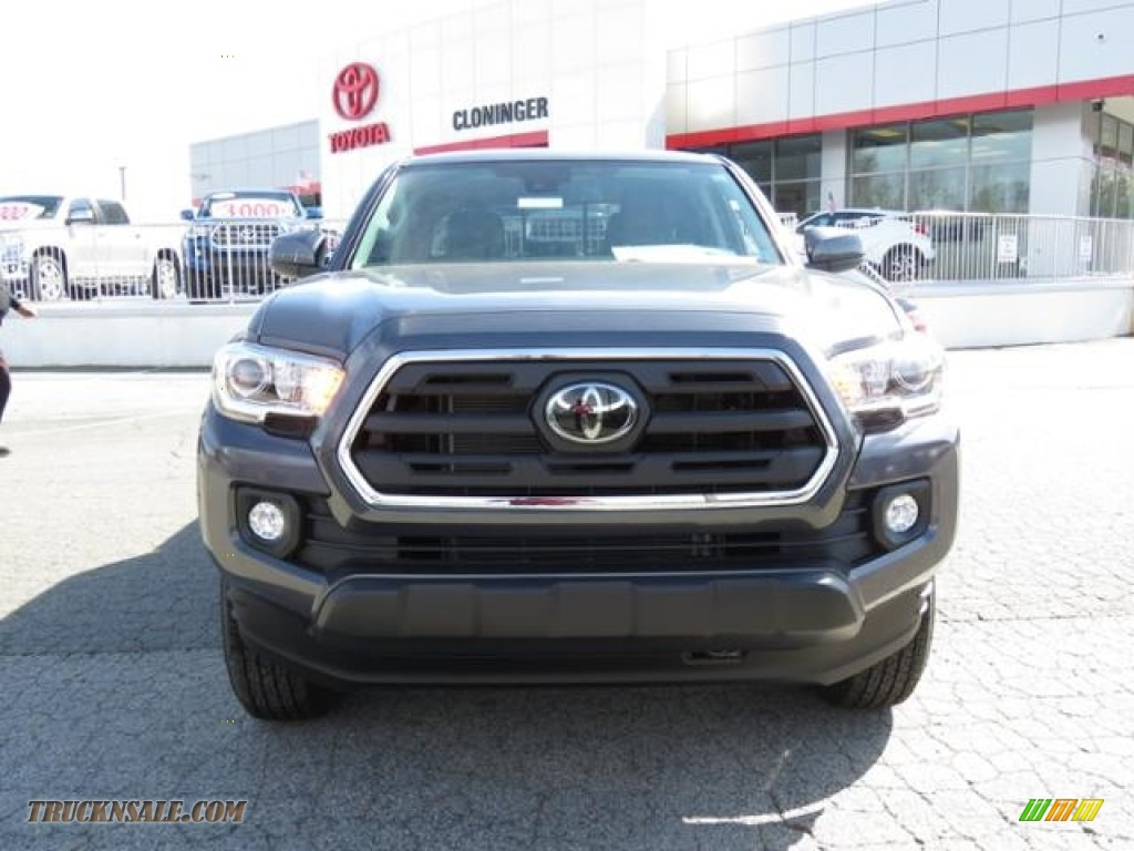 2018 Tacoma SR5 Double Cab - Magnetic Gray Metallic / Cement Gray photo #2