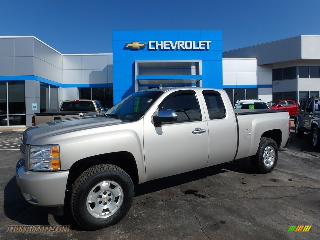 2009 Silverado 1500 LT Extended Cab 4x4 - Silver Birch Metallic / Ebony photo #1