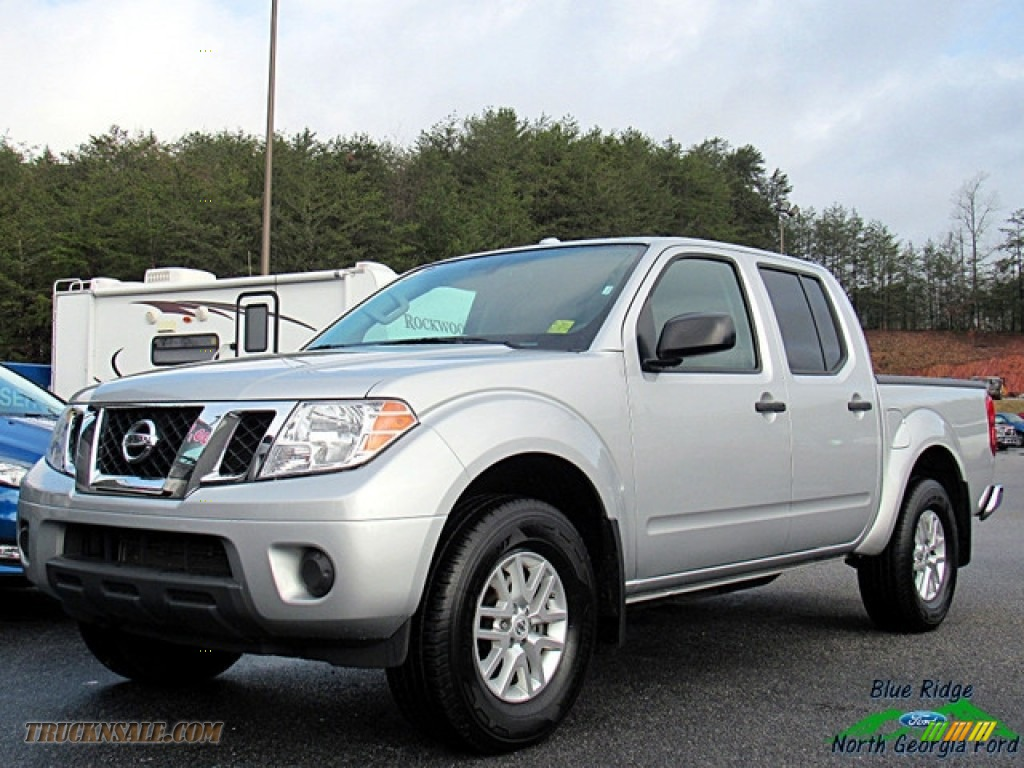 2017 Frontier SV Crew Cab 4x4 - Brilliant Silver / Steel photo #1