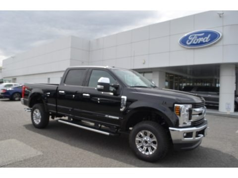 Shadow Black 2018 Ford F250 Super Duty XLT Crew Cab 4x4