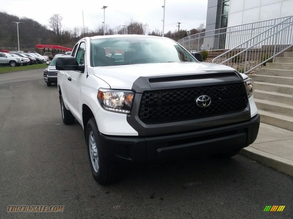 2018 Tundra SR Double Cab 4x4 - Super White / Graphite photo #1