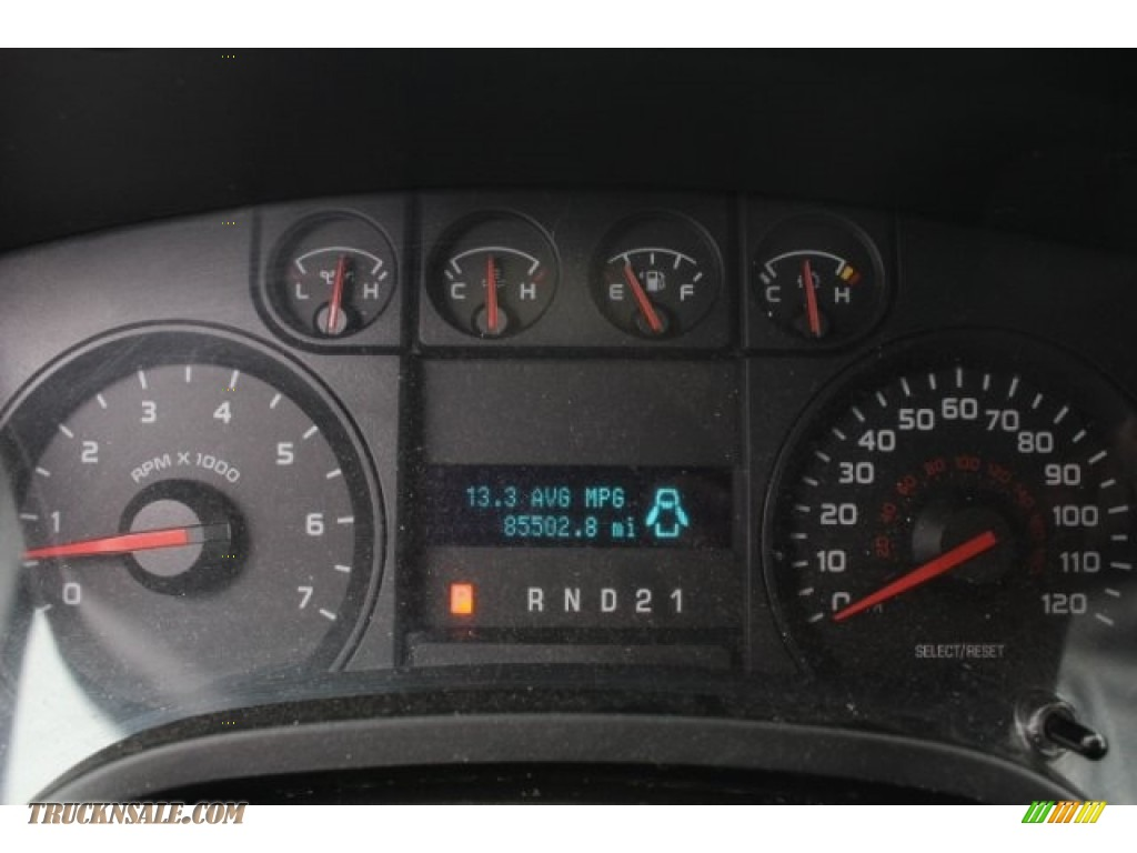 2010 F150 XL SuperCrew - Tuxedo Black / Medium Stone photo #19
