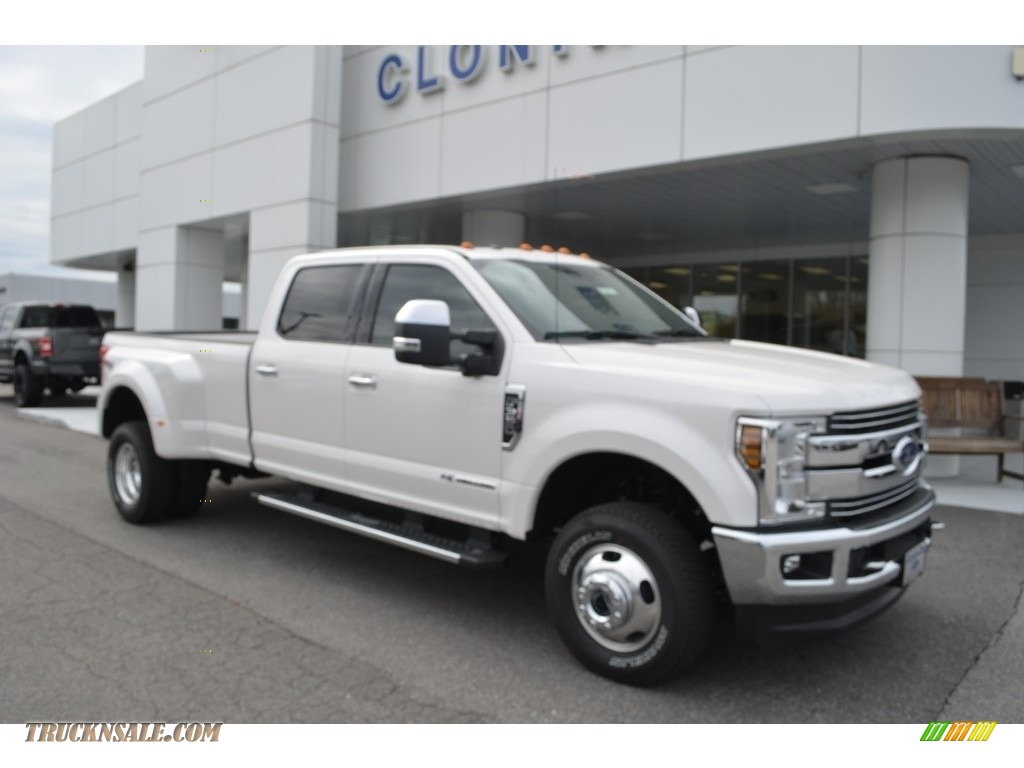 2018 F350 Super Duty Lariat Crew Cab 4x4 - White Platinum / Camel photo #1