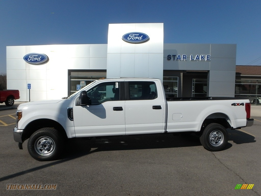 Oxford White / Earth Gray Ford F350 Super Duty XL Crew Cab 4x4