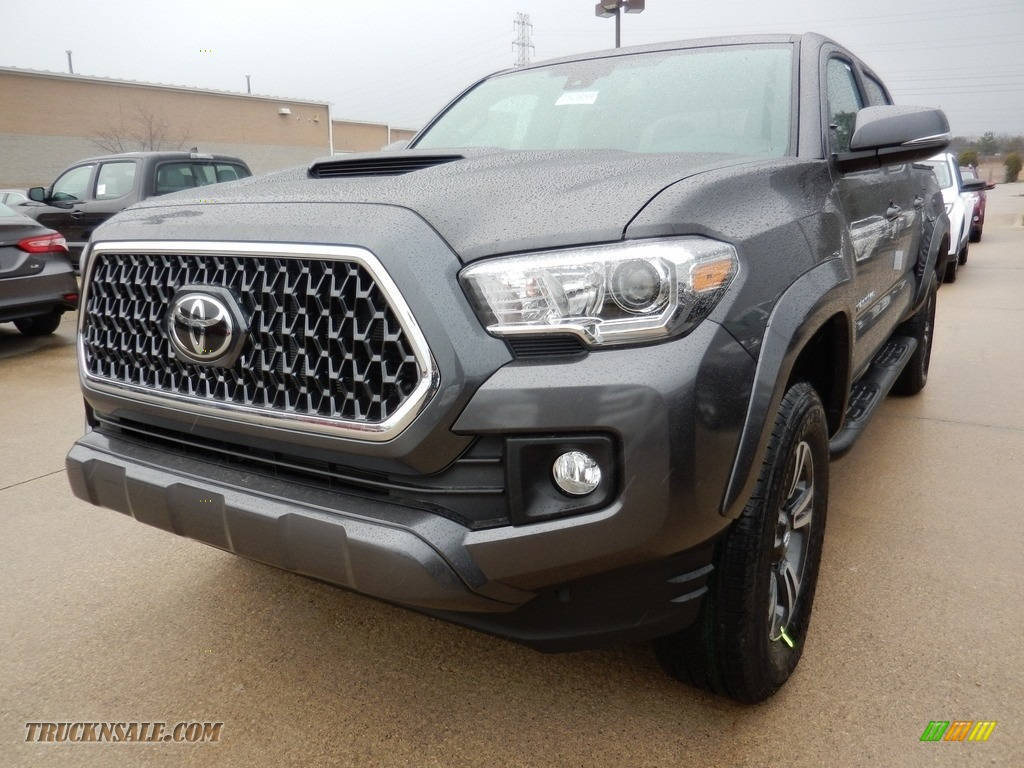 2018 Tacoma TRD Sport Double Cab 4x4 - Magnetic Gray Metallic / Graphite w/Gun Metal photo #1