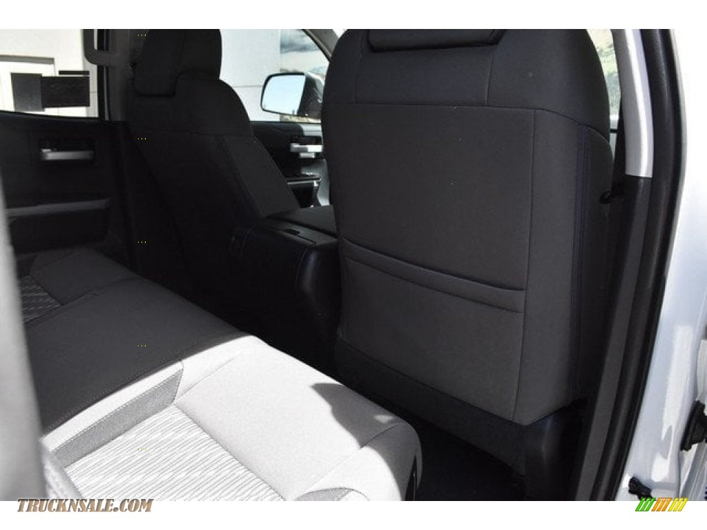 2018 Tundra SR5 Double Cab 4x4 - Super White / Graphite photo #1