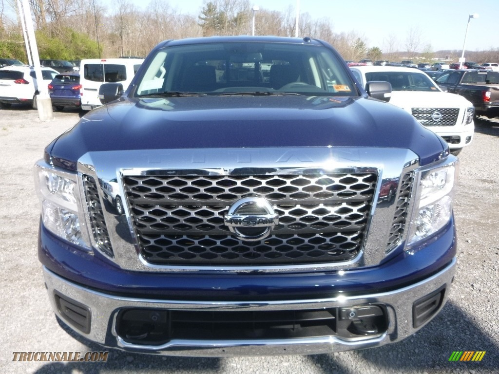 2018 Titan SV Crew Cab 4x4 - Deep Blue Pearl / Black photo #9