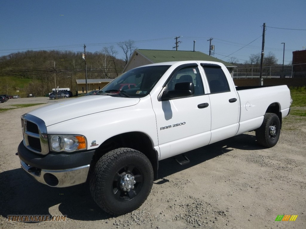 2005 Ram 2500 ST Quad Cab 4x4 - Bright White / Dark Slate Gray photo #1