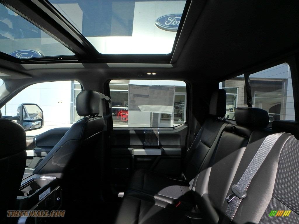 2018 F350 Super Duty Lariat Crew Cab 4x4 - Magnetic / Black photo #10