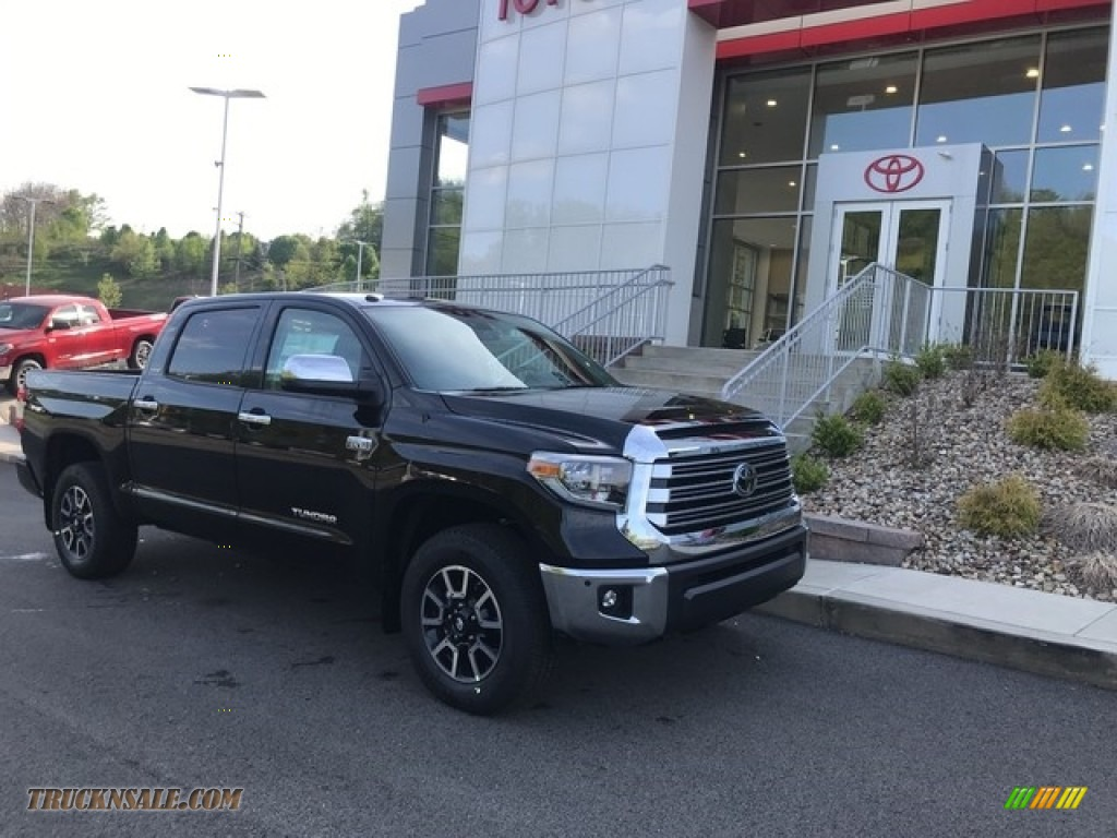 2018 Tundra Limited CrewMax 4x4 - Midnight Black Metallic / Black photo #1