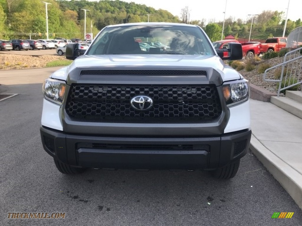 2018 Tundra SR Double Cab 4x4 - Super White / Graphite photo #6