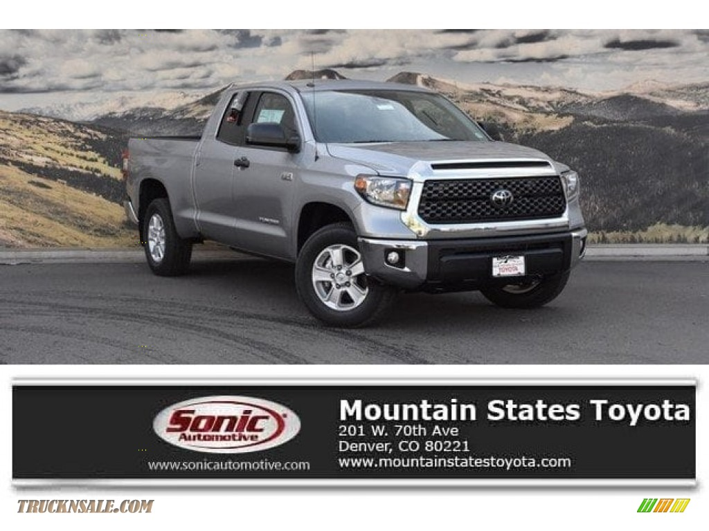 2018 Tundra SR5 Double Cab 4x4 - Silver Sky Metallic / Graphite photo #1