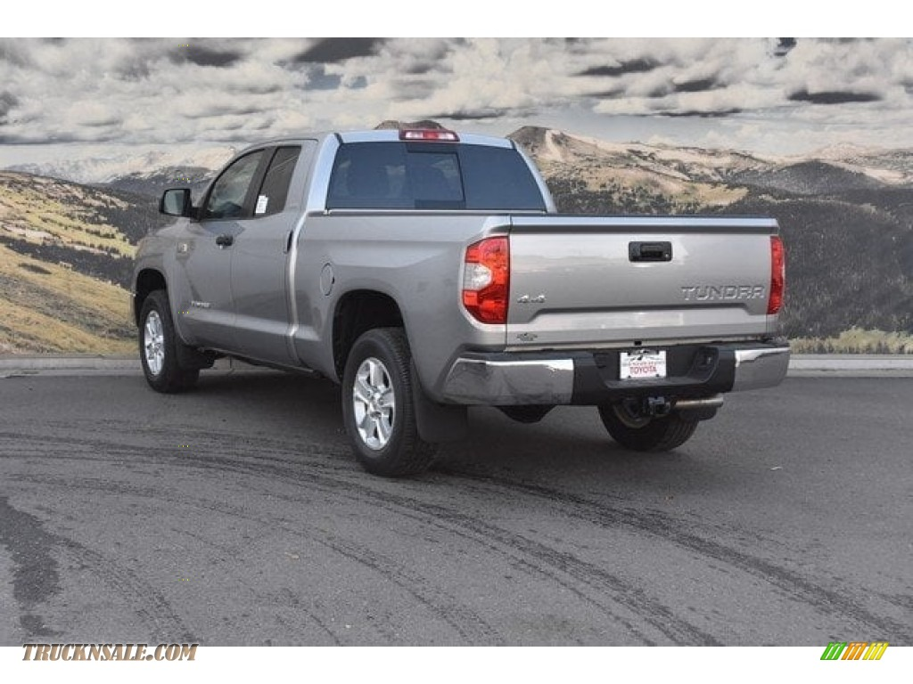2018 Tundra SR5 Double Cab 4x4 - Silver Sky Metallic / Graphite photo #3