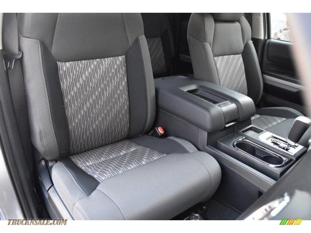 2018 Tundra SR5 Double Cab 4x4 - Silver Sky Metallic / Graphite photo #12