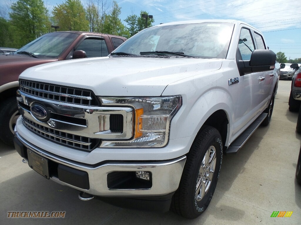 2018 F150 XLT SuperCrew 4x4 - Oxford White / Earth Gray photo #1