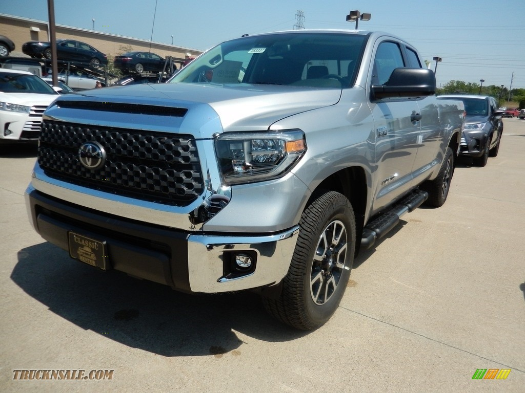 2018 Tundra SR5 Double Cab 4x4 - Silver Sky Metallic / Black photo #1