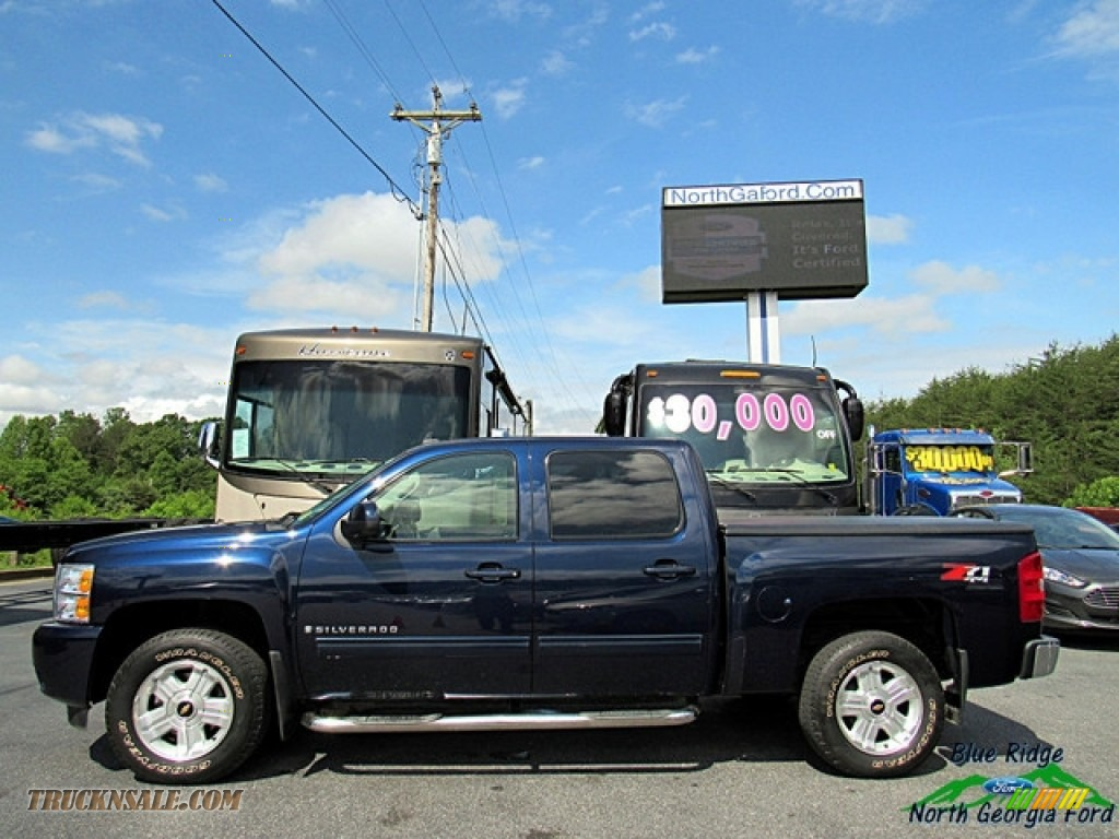 2009 Silverado 1500 LTZ Crew Cab 4x4 - Blue Granite Metallic / Light Titanium photo #2