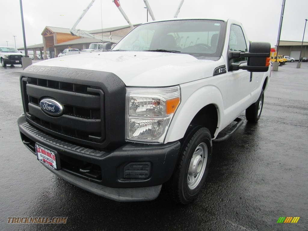 2011 F250 Super Duty XL Regular Cab 4x4 - Oxford White / Steel Gray photo #1