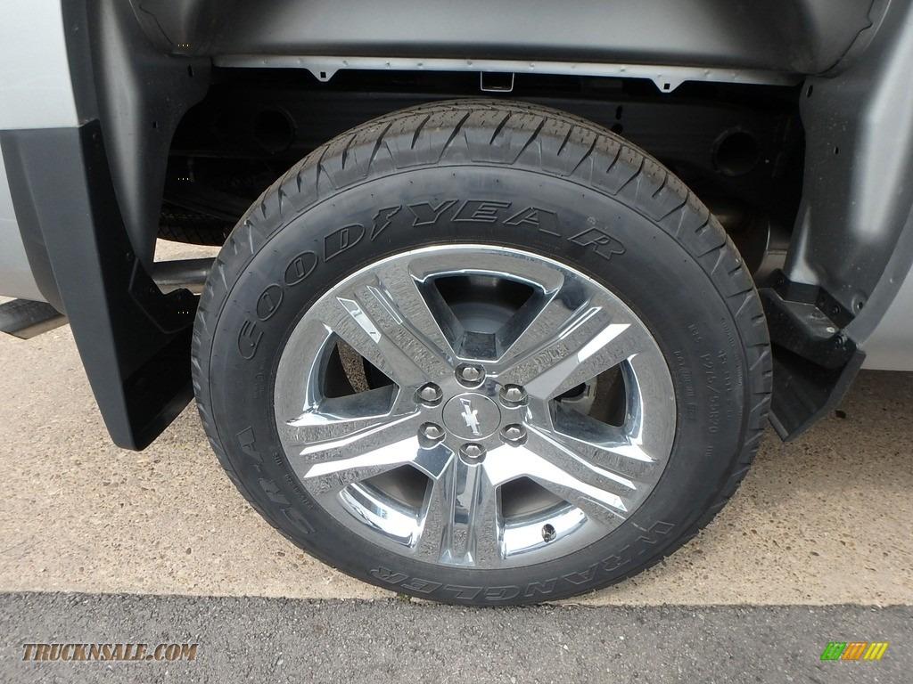 2018 Silverado 1500 Custom Crew Cab 4x4 - Silver Ice Metallic / Dark Ash/Jet Black photo #2