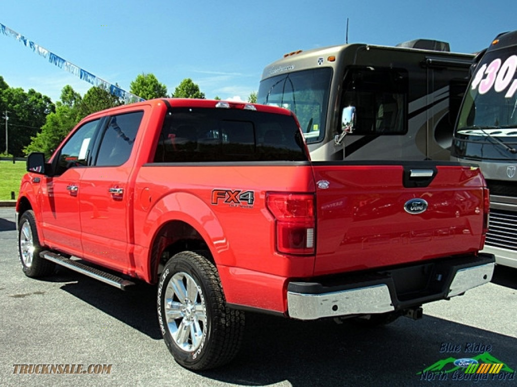 2018 F150 XLT SuperCrew 4x4 - Race Red / Earth Gray photo #3
