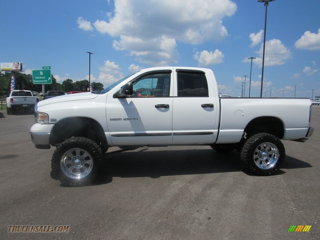 2004 Ram 2500 ST Quad Cab 4x4 - Bright White / Taupe photo #2
