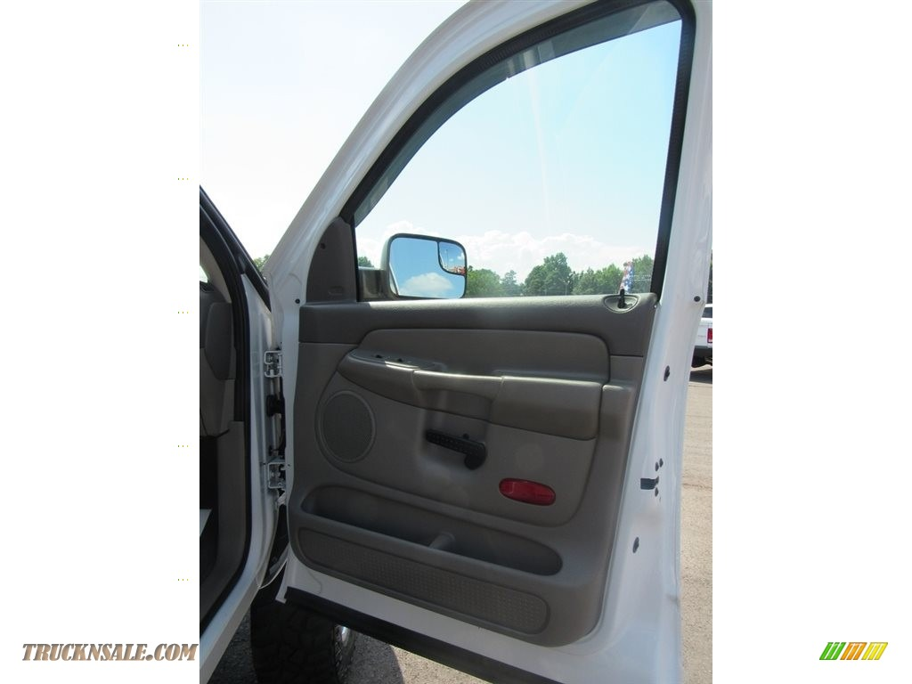 2004 Ram 2500 ST Quad Cab 4x4 - Bright White / Taupe photo #23