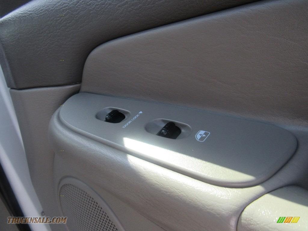 2004 Ram 2500 ST Quad Cab 4x4 - Bright White / Taupe photo #24