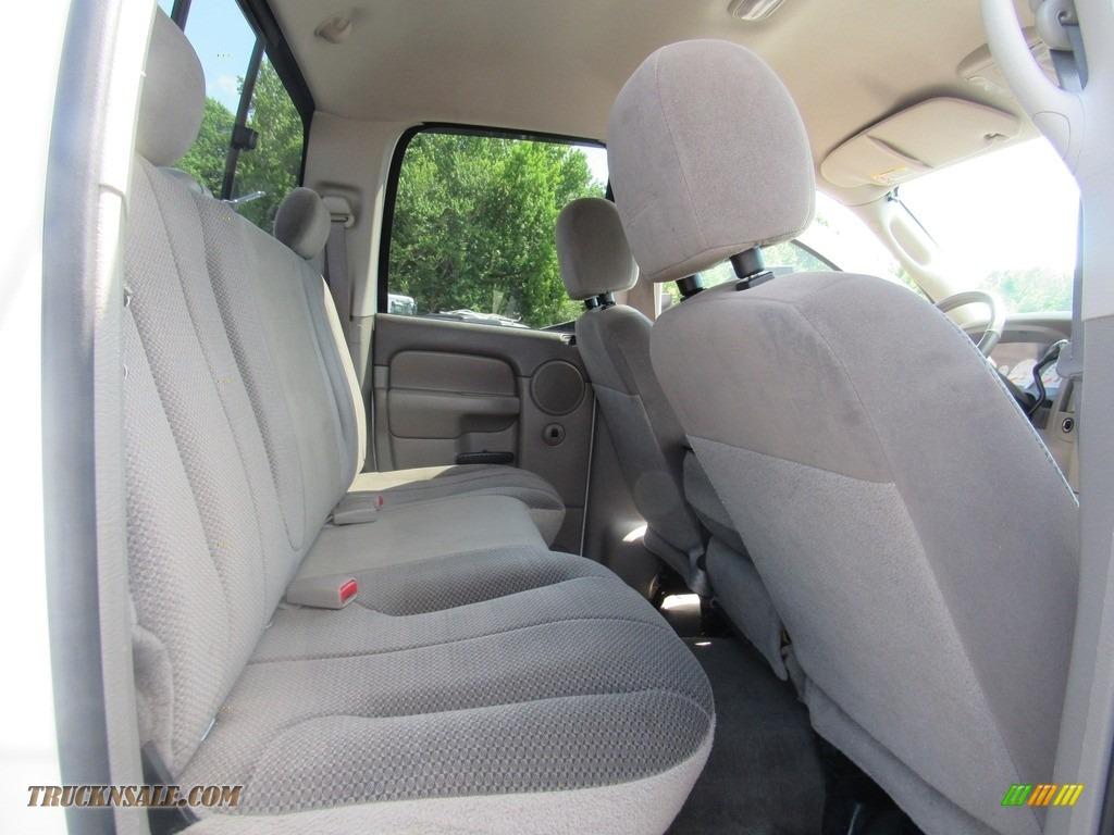 2004 Ram 2500 ST Quad Cab 4x4 - Bright White / Taupe photo #31