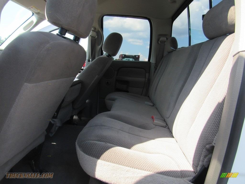 2004 Ram 2500 ST Quad Cab 4x4 - Bright White / Taupe photo #35
