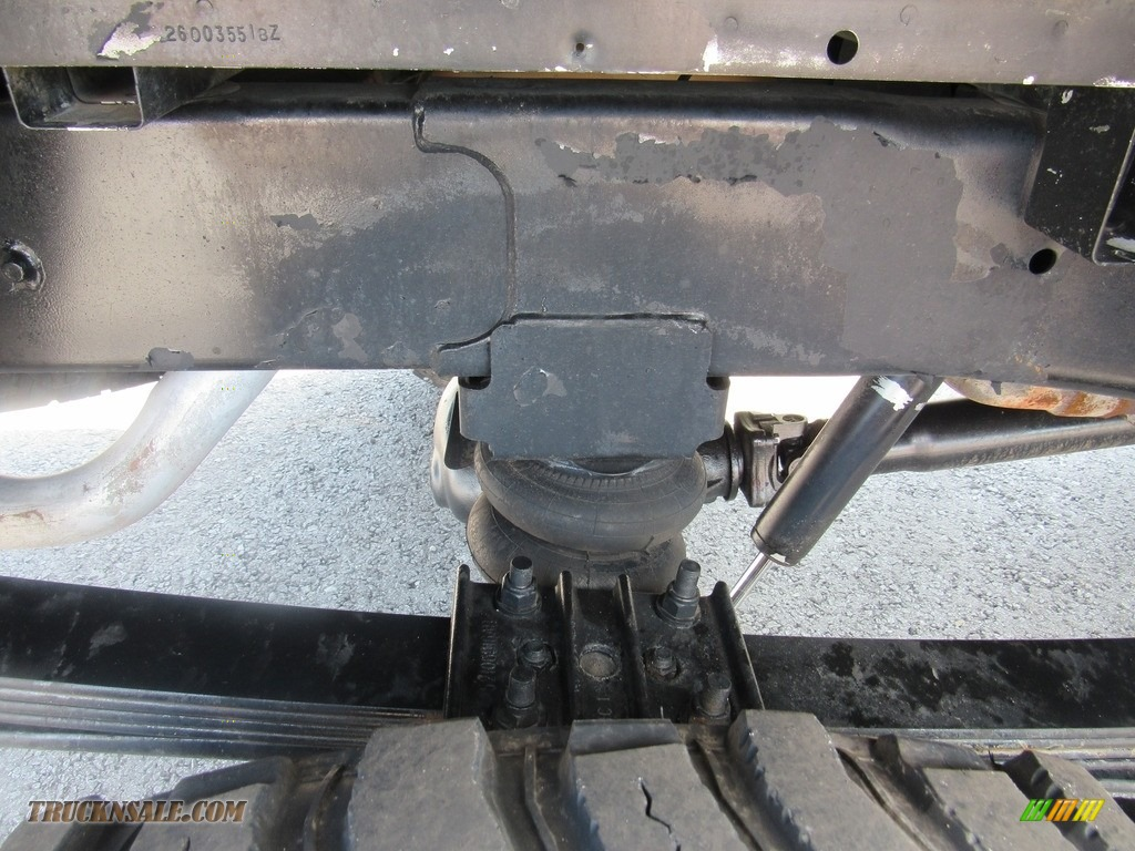 2004 Ram 2500 ST Quad Cab 4x4 - Bright White / Taupe photo #46