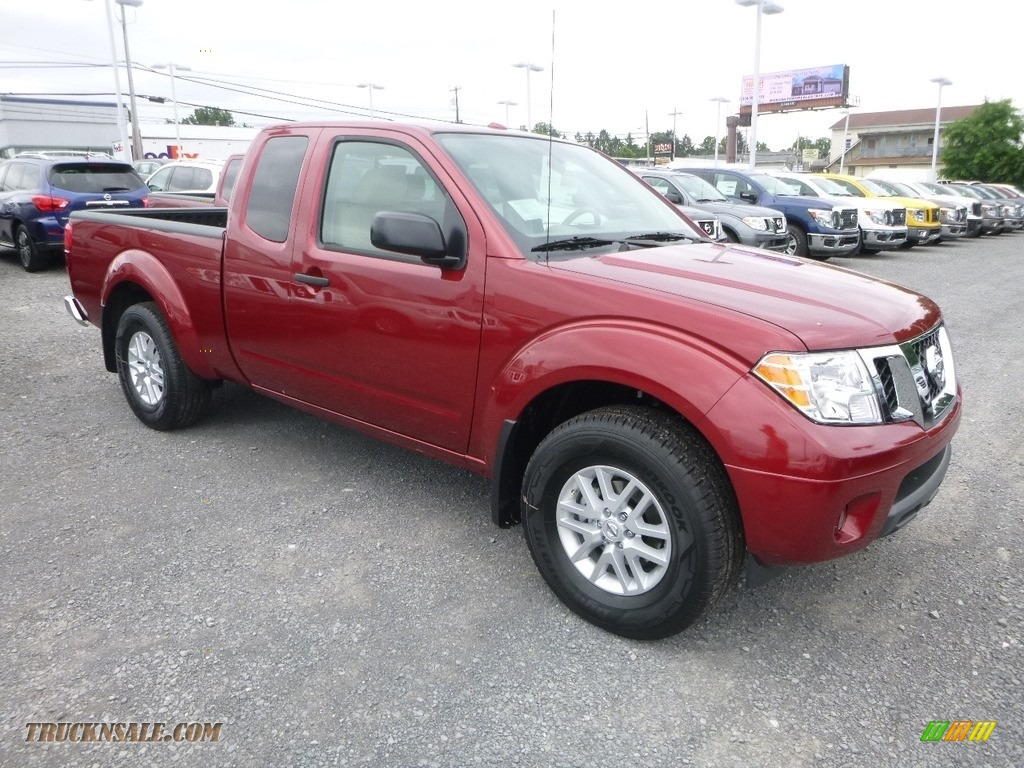 2018 Frontier SV King Cab 4x4 - Cayenne Red / Beige photo #1