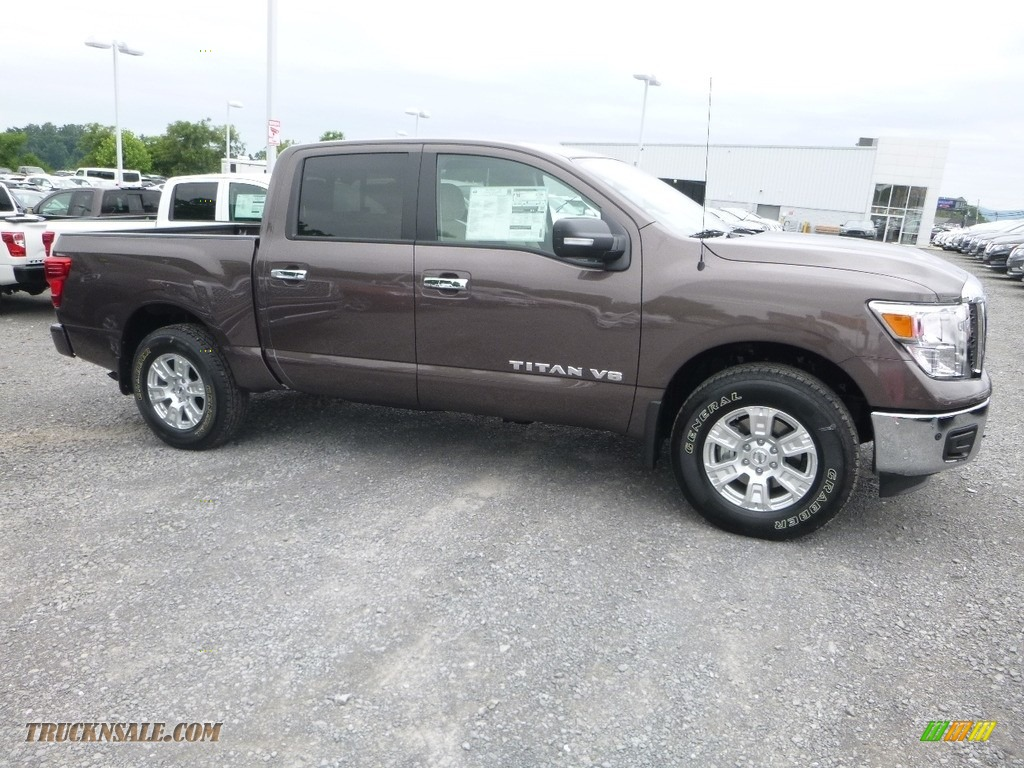 2018 Titan SV Crew Cab 4x4 - Java Metallic / Beige photo #1