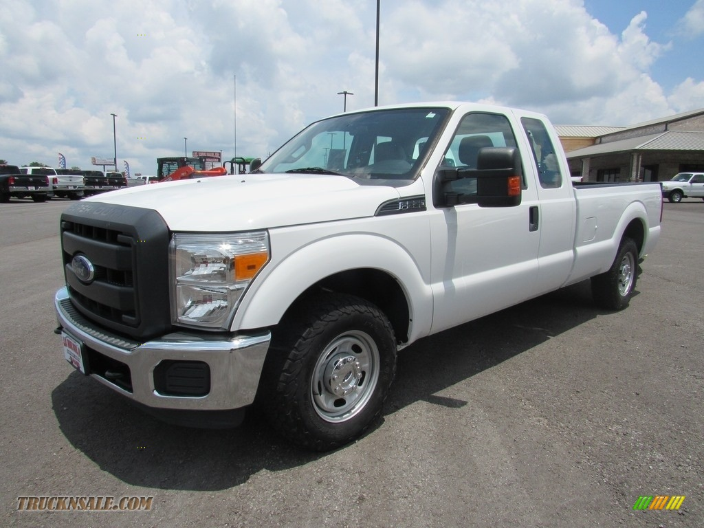 Oxford White / Steel Ford F250 Super Duty XLT Super Cab