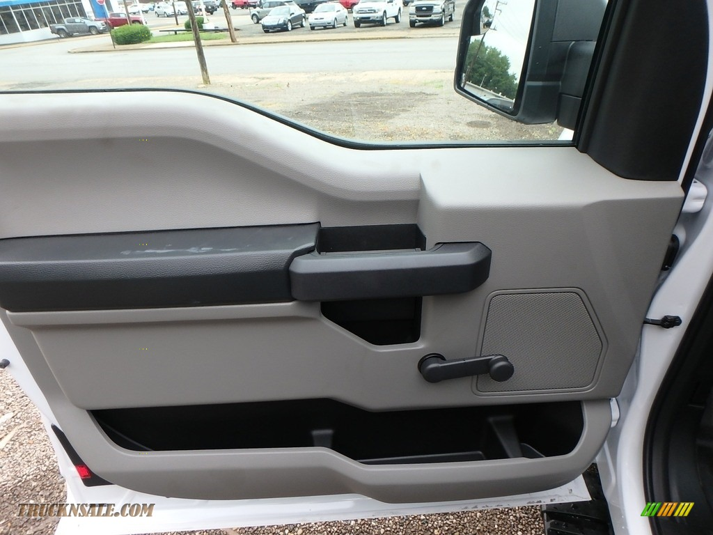 2018 F150 XL SuperCab 4x4 - Oxford White / Earth Gray photo #14