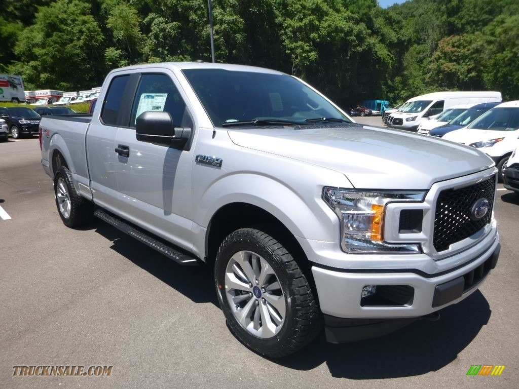 2018 F150 XL SuperCab 4x4 - Ingot Silver / Earth Gray photo #3