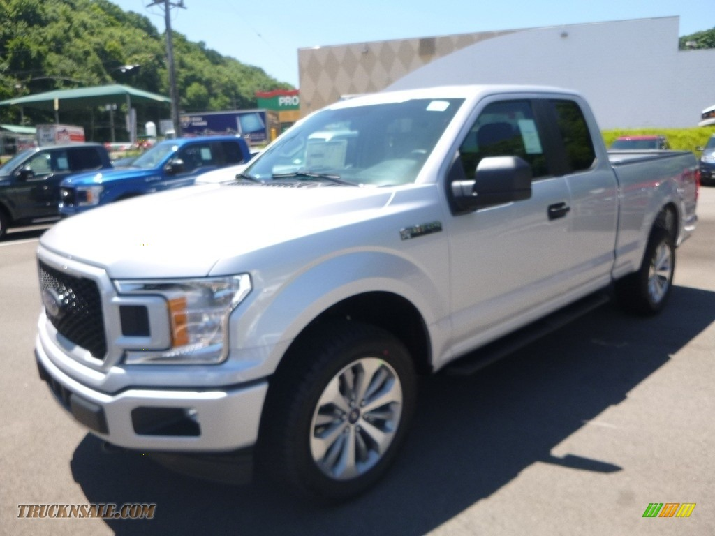 2018 F150 XL SuperCab 4x4 - Ingot Silver / Earth Gray photo #5