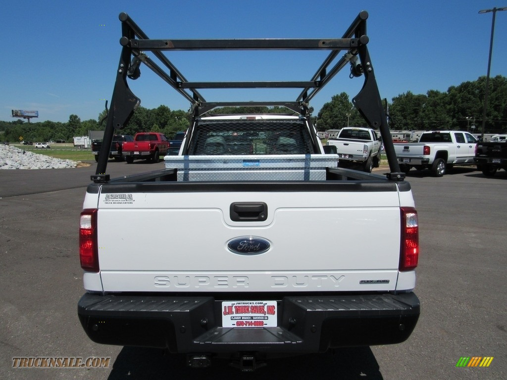 2015 F250 Super Duty XL Regular Cab - Oxford White / Steel photo #4