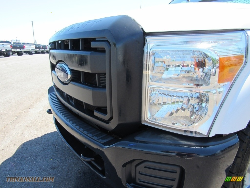 2015 F250 Super Duty XL Regular Cab - Oxford White / Steel photo #9