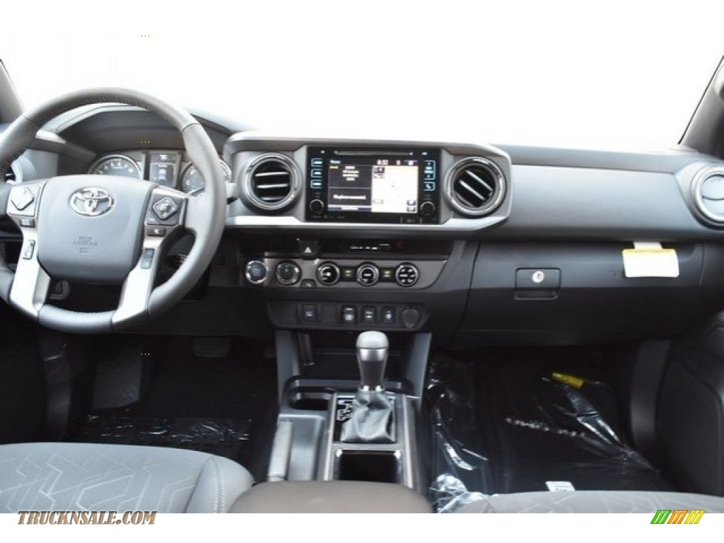 2018 Tacoma TRD Off Road Double Cab 4x4 - Quicksand / Cement Gray photo #8