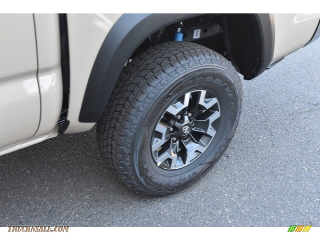 2018 Tacoma TRD Off Road Double Cab 4x4 - Quicksand / Cement Gray photo #33