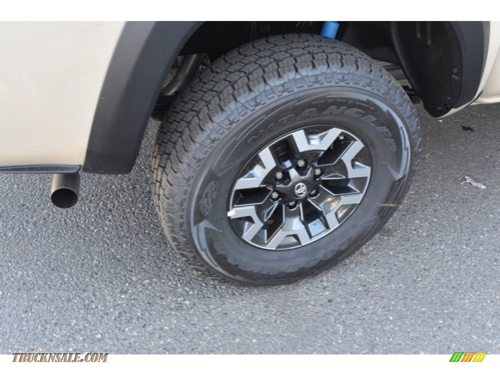 2018 Tacoma TRD Off Road Double Cab 4x4 - Quicksand / Cement Gray photo #34