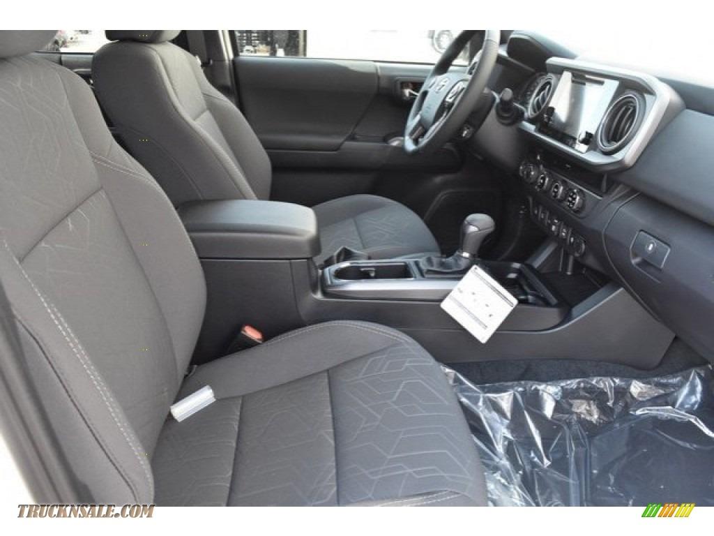 2018 Tacoma TRD Sport Double Cab 4x4 - Super White / Graphite w/Gun Metal photo #12