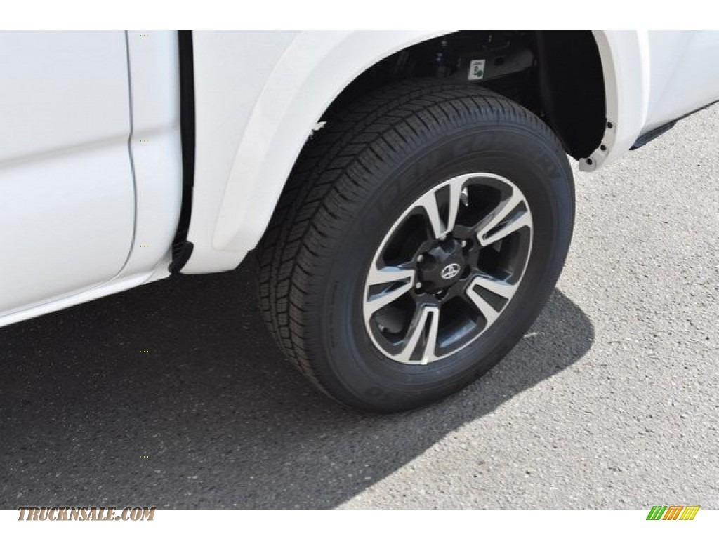 2018 Tacoma TRD Sport Double Cab 4x4 - Super White / Graphite w/Gun Metal photo #33