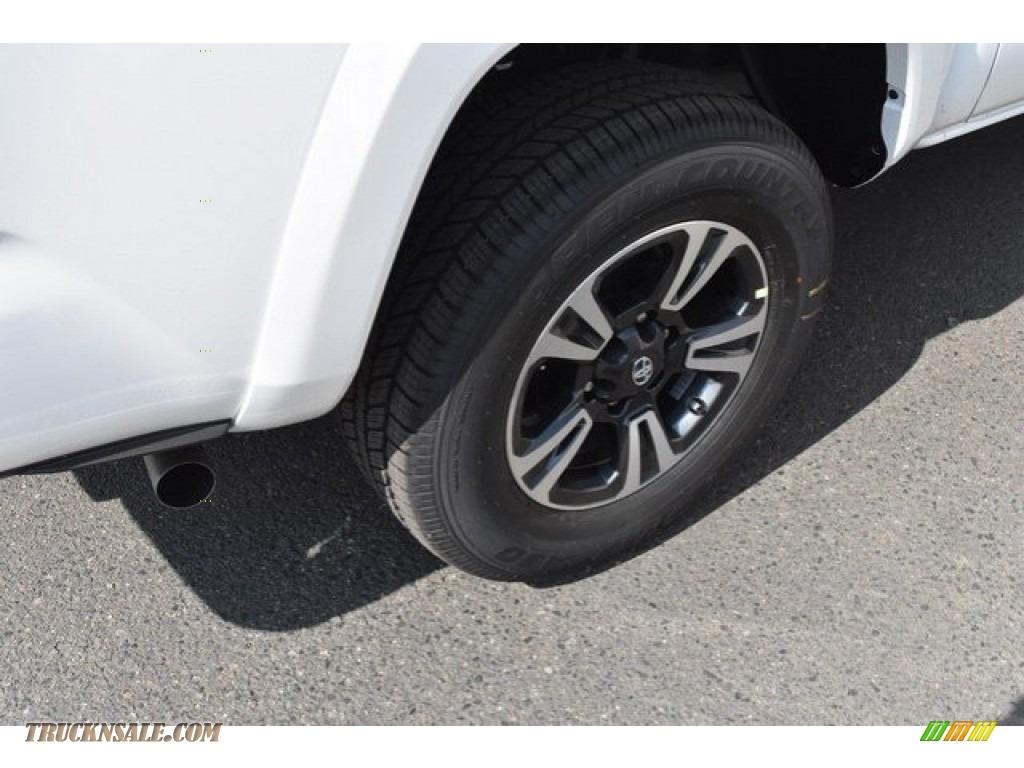 2018 Tacoma TRD Sport Double Cab 4x4 - Super White / Graphite w/Gun Metal photo #34