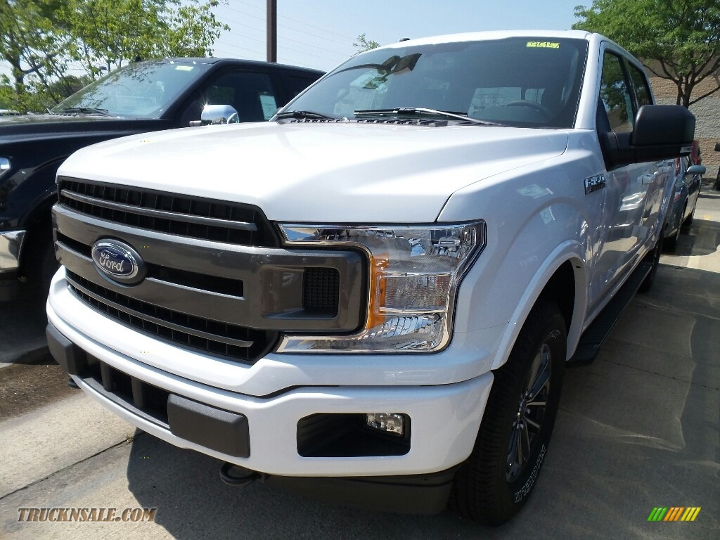 2018 F150 XLT SuperCrew 4x4 - Oxford White / Black photo #1
