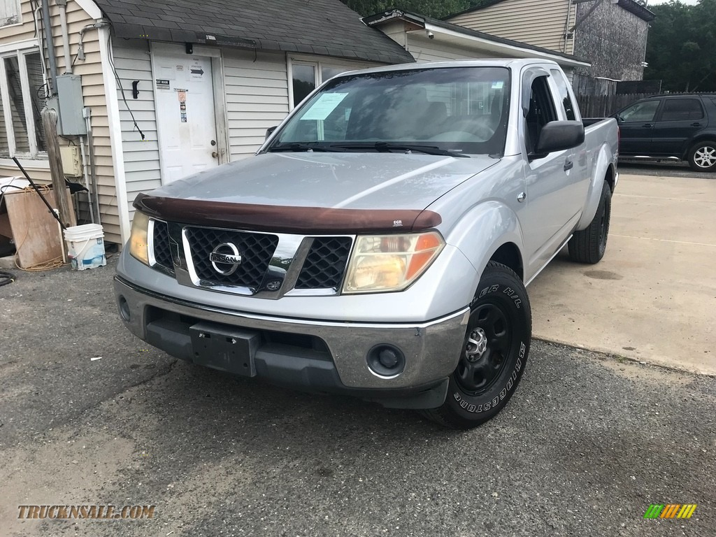 2008 Frontier XE King Cab - Radiant Silver / Graphite photo #1