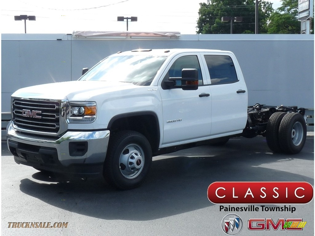 2019 Sierra 3500HD Crew Cab 4WD Chassis - Summit White / Dark Ash/Jet Black photo #1