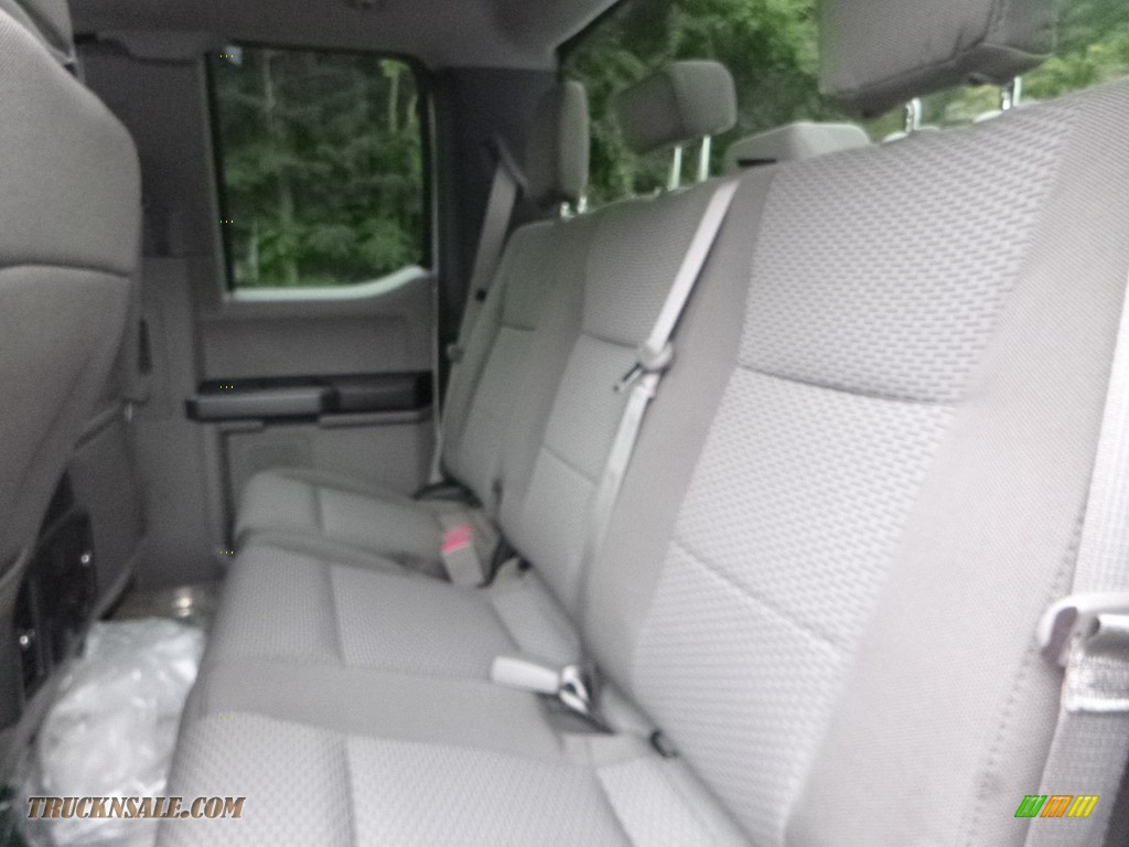2019 F250 Super Duty XLT SuperCab 4x4 - Oxford White / Earth Gray photo #11