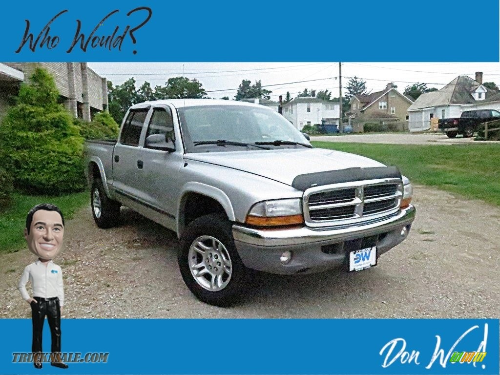 2004 Dakota SLT Quad Cab 4x4 - Bright Silver Metallic / Dark Slate Gray photo #1