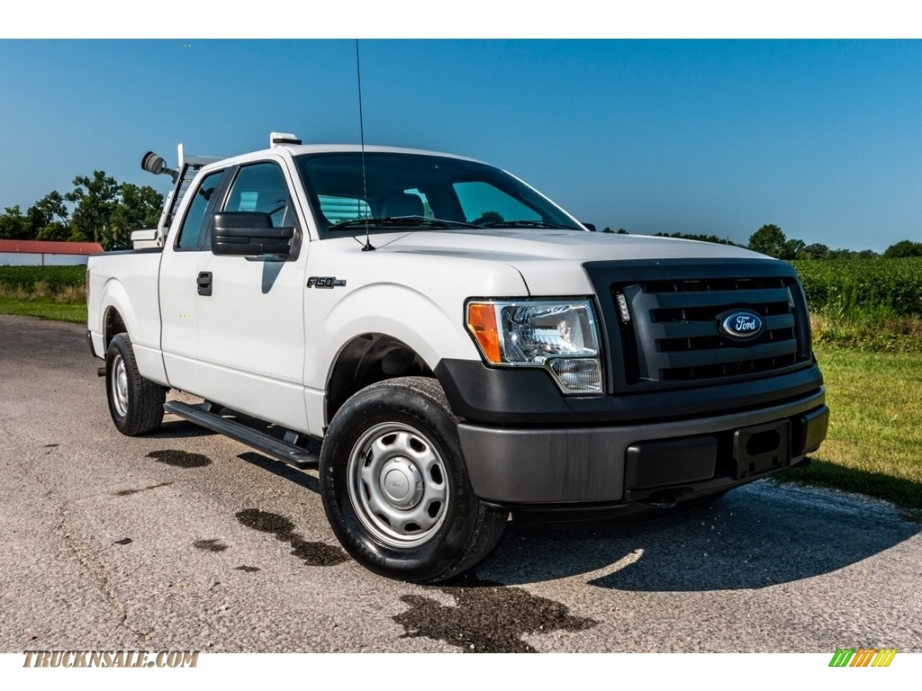 2012 F150 XL SuperCab 4x4 - Oxford White / Steel Gray photo #1